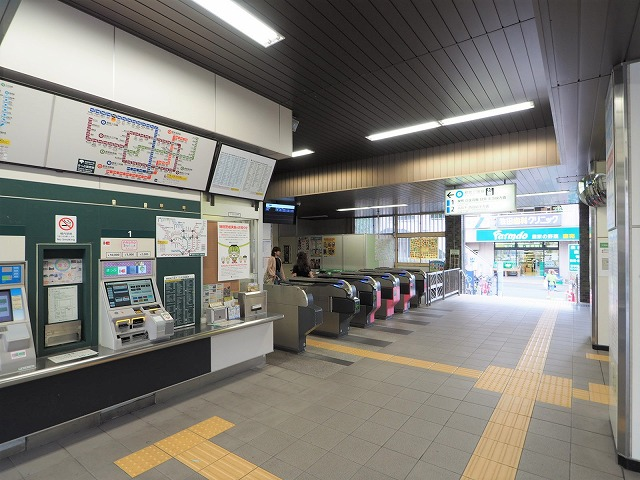 蓮根駅改札