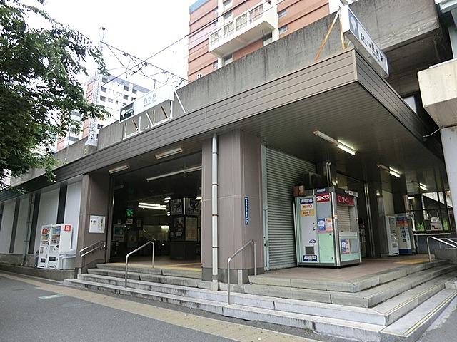 西台駅東口